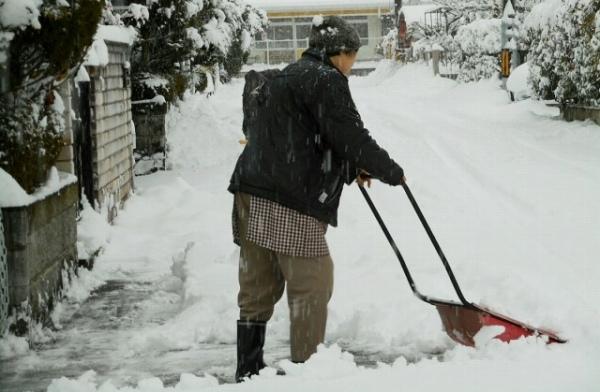 雪を上手く除雪するコツ