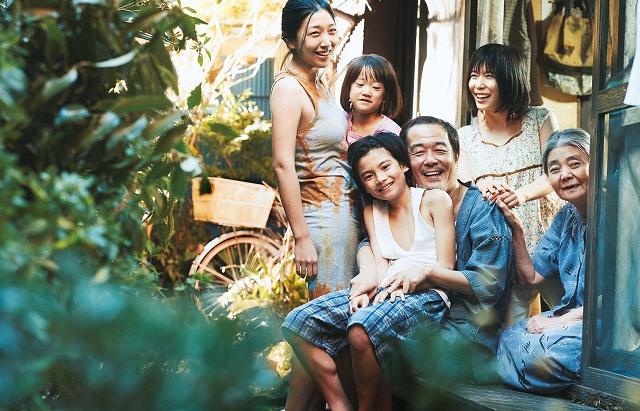 「万引き家族」それぞれの家族の秘密